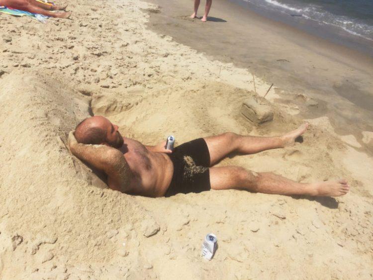 55 смешных пляжных фотоснимков