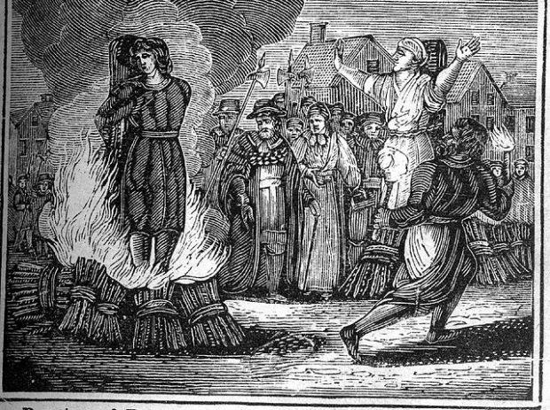 Откуда взялась средневековая традиция сжигать ведьм?