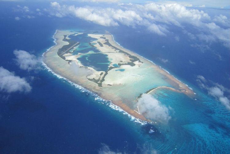 7 проклятых островов. Куда лучше не ездить в отпуск?