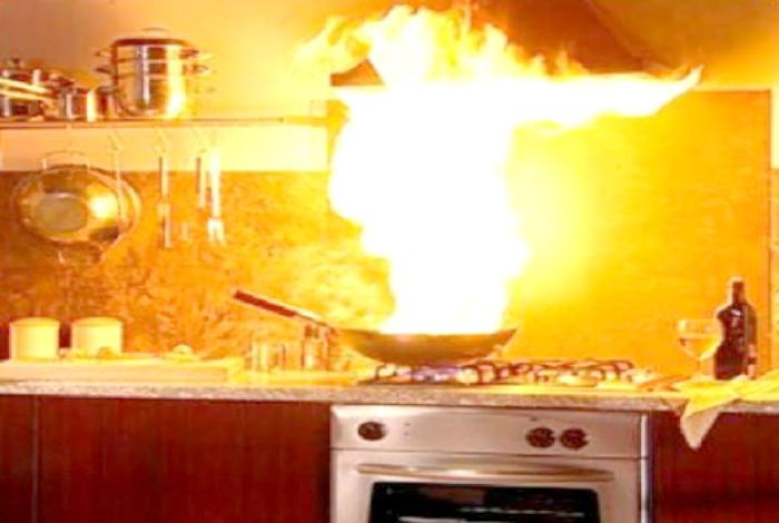 50 людей, которым вход на кухню строго запрещен