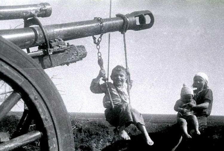 Старые детские фото, которые вызовут разрыв сердца у современных родителей