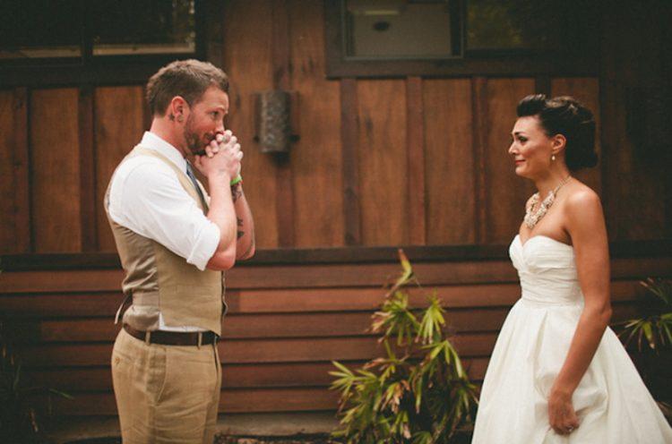 Женихи впервые видят невест: замечательные фотомоменты